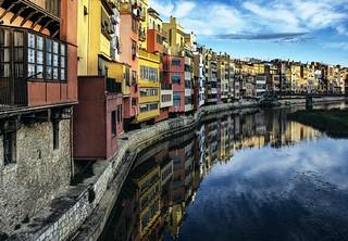 _DSC9000 i 9001 apilades, Girona