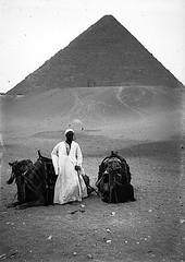 02_Giza Necropolis - Pyramid of Cheops (usbpanasonic) Tags: desert northafrica egypt nile cairo nil giza egypte gizeh cheops مصر caire khefren pyramidsofgiza gizanecropolis khafra pyramidroad