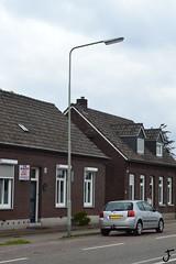 Hellux 303 (?) (f O h O) Tags: de nederland maas horst aan limburg lichtmast armaturen lichtmasten straatverlichting armatuur wegverlichting