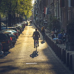 Golden Hour in Amsterdam (Jannes Glas.) Tags: amsterdam cycling cyclist keizersgracht
