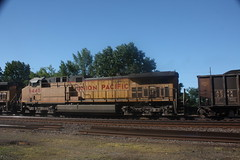 53556 (richiekennedy56) Tags: usa lawrence unitedstates kansas unionpacific ac44cw railphotos douglascountyks donballcurve up5970 up6448