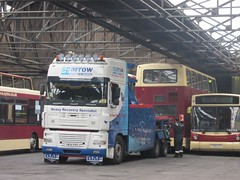 East Yorkshire 670 PN02XBU Anlaby Rd Depot, Hull having been recovered by Sparrow YW54PBV (1) (1280x960) (dearingbuspix) Tags: sparrow 667 recovery eastyorkshire eyms pn02xbu sparrowrecovery yw54pbv