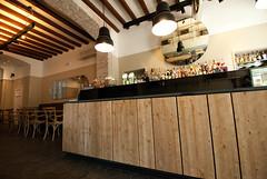 _DSC1217 (fdpdesign) Tags: arredamenti shop design shopdesign nikon d800 milano italy arrdo italia 2016 legno wood ferro sedie tavoli locali cocktails bar interni architettura