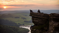 climbing to the top (David Raynham) Tags: sunset colour landscape nikon rocks derbyshire peakdistrict ngc d750 fullframe fx ff climbers darkpeak ladybowerreservoir bamfordedge telephotolandscape nikkor70200mmf28gvr