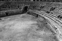anfiteatro-7629 (marcoserracca) Tags: blackwhite barocco lecce anfiteatroromano