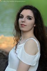 DSC_1430+ (SuzuKaze-photographie) Tags: portrait woman lyon bokeh femme parc swirly helios442 suzukazephotographie