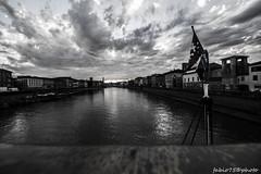 171#365 San Ranieri il Palio (Fabio75Photo) Tags: sky fiume arno acqua bianco nero bandiera