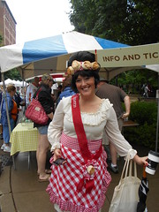 biscuit queen (Joelk75) Tags: festival tn knoxville farmersmarket tennessee biscuits marketsquare internationalbiscuitfestival biscuitqueen