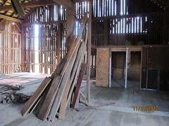 . (larryunderwood) Tags: barn barnconversion bankbarn