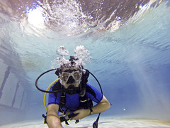 Alone in the Pool (croquembouche76) Tags: 3 water pool sport swimming underwater montreal cam go scuba diving hero pro plonge cegep sous vieuxmontral aeris oceanic leau cpas sousmarine gopro