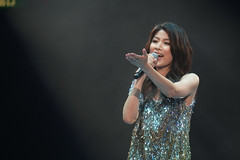 Kelly Chen@Hong Kong Coliseum (H.L.Tam) Tags: jw hongkong concert thankyou mark fujifilm coliseum rubberband kellychen         xpro1      xf55200mmf3548