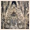 La sagrada familia / Antoni Gaudí  #arteforadomuseu aniversário do artista catalão hoje. Confira mais obras dele em www.arteforadomuseu.com.br