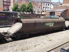 370427 at walsall (47604) Tags: wagon coal hopper walsall hha 370427