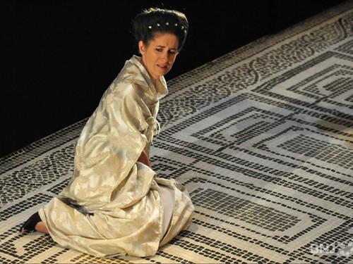 Cornelia dans Giulio Cesare de Haendel sous la direction de Facundo Agudin. Mise en scène : Bruno Ravella