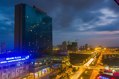 vl_01995 (Hanoi's Panorama & Skyline Gallery) Tags: street city sunset sky panorama building architecture skyscraper asian asia capital skylines landmark vietnam hanoi asean appartment vitnam hni grandplaza skyscrapercity honghn trunghanhnchnh cugiy caoc vnhai3 keangnamlandmark trnduyhng dolphinplaza