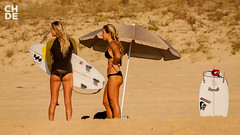 Laura Enever & Coco Ho (chde.eu) Tags: france laura beach surf coco ho aussie roxy quiksilver seignosse roxypro surfergirl quikpro enever chde roxygirls delarsille roxyteam