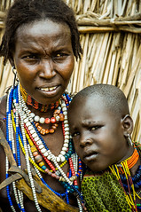 _DSC0328 (deivd) Tags: woman black color girl kids children kid mujer child negro nios ethiopia collar tribe nio collares tribu etiopia arbore omosur
