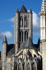 Gand, glise St-Nicolas, tour (Ytierny) Tags: vertical architecture tour belgique religion belgi gent gand edifice catholique et stniklaaskerk eglisestnicolas lieudeculte flandreorientale gothiquescaldien pierredetournai ytierny