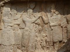 0810 Naqsh-i Rostam tumbas Dario y descencientes - 095 (txikita69) Tags: persian ancient ruins persia shiraz necropolis xerxes artaxerxes irán fars dariusi dariusii naqsherustam naqsherostam kabaizartosht republicofiran naqshirajabtombsofkings