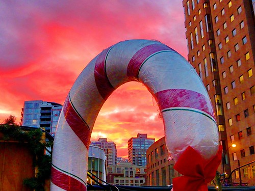 blue friends sunset red sky urban orange white canada... (Photo: peggyhr on Flickr)
