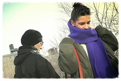 purple scarf (omoo) Tags: newyorkcity girls chelsea manhattan promenade girlfriends streetscenes highline purplescarf meatmarketdistrict elevatedcitypark