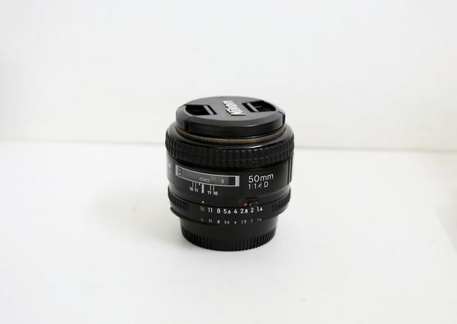 Ống kính cho Nikon: AF-D 50/F1.4 || Sigma EX 24-70/F2.8 DG Macro giá tốt....