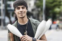(CSPaiva) Tags: brasil arte circo sopaulo centro bolas sp rua malabares equilibrio colorido sopaulosp bastao