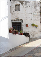 Calle Vicario Martinez Navas (Mabacam) Tags: flowers plants white streets gardens buildings walking spain village hiking andalucia moorish walls 2016 canillasdealbaida