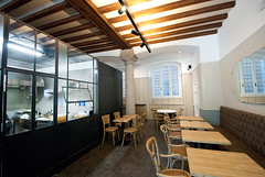 _DSC1225 (fdpdesign) Tags: arredamenti shop design shopdesign nikon d800 milano italy arrdo italia 2016 legno wood ferro sedie tavoli locali cocktails bar interni architettura