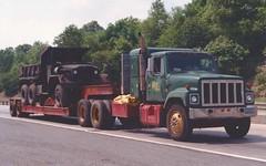 "IH S2500 ""Walsh Bros"" w/M51A2 (PAcarhauler) Tags: tractor truck semi international m51 trailer ih"