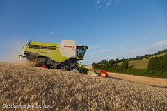 16072015-IMG_1557 (Deschamps productions) Tags: tractor wheat harvest combine harvester tracteur moisson bl fendt claas lexion cestari transbordeur moissonneuse