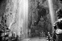 Huyen Khong Cave (H.T.P) Tags: light sunlight lens nikon natural viet da 24mm nam nang d610
