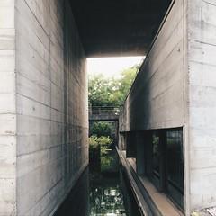 MuBE. (CrisMelo) Tags: arquitetura iphone concreto espaços brutalismo mube paulomendesdarocha