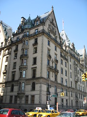The Dakota Building, Central Park West (R S Preece) Tags: newyorkcity usa newyork america manhattan johnlennon bigapple centralparkwest dakotabuilding