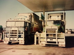 K125 and T650 Port Augusta in the early 90's (chugga81) Tags: old speed cat truck cool iron australia double class semi special mount caterpillar american badge perth adelaide trailer grille barker aussie hampton 18 tnt heavy past cummins kenworth bullbar aerodyne t650 k125 roadranger chugga81