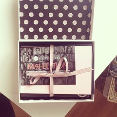 Yeeei So #excided Cause my #glossybox of #may is there! #beauty#sanssousis#Jellypongpong#sexyhair#neutrogena#eucerin#lipstik  Glossy Box tests et avis sur la box (passionthe) Tags: test paris les french la commerce box femme glossy beaut gift instant sa bonne discovery plaisir hommes femmes avis cadeau coffret choisir toutes glossybox cosmetique echantillons