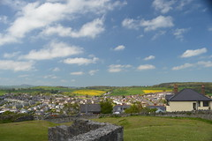 Denbigh from Castle Hill (CoasterMadMatt) Tags: mountains wales landscape photography countryside town spring natural photos north cymru may east hills mai photographs welsh sir markettown cymraeg denbigh northwales gwanwyn mynydd cefn denbighshire sirddinbych ffotograffiaeth gogledd lluniau ffotograffau cefngwlad gwlad ddinbych dinbych 2013 gogleddcymru coastermadmatt