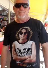 23 FERIA del LIBRO 2013 (Fotos de Camisetas de SANTI OCHOA) Tags: ny musica beatles camiseta