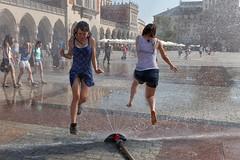 (espinozr) Tags: summer hot water agua europe fav50 fuente poland krakow explore verano polonia cracovia marketsquare calor rynek fav10 fav25 fav100 2013 fav150 fav75 fav125