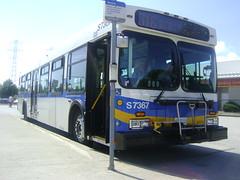 S7367 (Juan_M._Sanchez) Tags: new bus vancouver flyer 1999 scottsdale translink d40lf cmbc