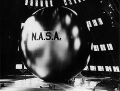 Anglų lietuvių žodynas. Žodis communications satellite reiškia ryšių palydovą lietuviškai.