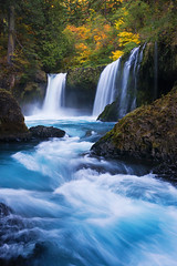 Falling Spirit (Michael Bollino) Tags: autumn fall nature water creek river flow waterfall washington northwest falls pacificnorthwest columbiarivergorge spiritfalls