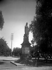 Monumento homenaje a la ciudad de Buenos Aires en la Alameda, hoy en el cerro Santa Lucia (santiagonostalgico) Tags: chile obra patrimonio archivofotograficodirecciondearquitectura
