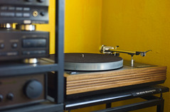 A Record Player... (The_Kevster) Tags: leica light music yellow table support shadows arm bokeh rangefinder turntable mat stereo recordplayer rack reco