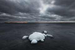Cluster (- David Olsson -) Tags: camping winter sunset seascape cold ice nature water clouds landscape frozen lowlight nikon rocks sundown cloudy sweden outdoor stones cluster january freezing karlstad filter bluehour fx grad centered vr januari d800 vrmland 2014 1635 1635mm lakescape sugarcoated gnd icecovered leefilters bomstad davidolsson 06hard 1635vr bomstadbaden bomstadcamping
