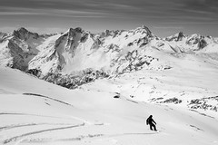 Plnitude... (Thierry Hudsyn) Tags: bw mountains montagne landscape blackwhite surf traces snowboard paysage noirblanc les2alpes sonyrx100
