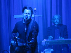 Jack White - Jack White (John Anthony Gillis), Dominic Davis, Dean Fertita, Daru Jones, Fats Kaplin &  Lillie Mae Rische (Peter Hutchins) Tags: white man records jack jones concert tour live dean third mae tribe quest davis setlist fats dominic called lillie qtip lazaretto jackwhite fertita atribecalledquest daru kaplin a deanfertita rische fatskaplin darujones thirdmanrecords lilliemaerische dominicdavis