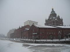 Helsinki (Alguay) Tags: winter red sea mer snow cold ice church weather suomi finland frozen dock helsinki hiver quay neige helsingfors quai glace gel finlande