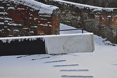 A Sprinkling (Chris Mullineux) Tags: bridge snow canal gate lock beam oxfordshire waterway oxfordcanal upperheyford allenslock