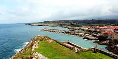 Un billete a cualquier lugar (Sergio Fdez. Valverde) Tags: paz asturias llanes acantilados
